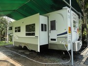2005 Keystone Sydney Outback Edition 33ft 5th Wheeler.